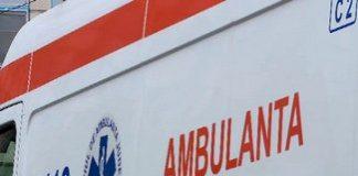 O fetita de 3 ani din Craiova a cazut de la etajul 3 al unui bloc