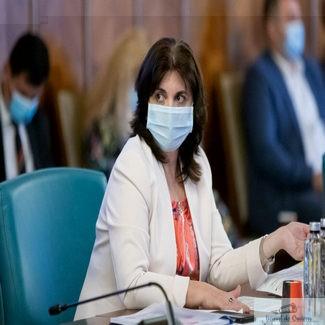 Ministrul Educaţiei, Monica Anisie: Trebuie să ne pregătim pentru a preda online atâta timp cât e necesar