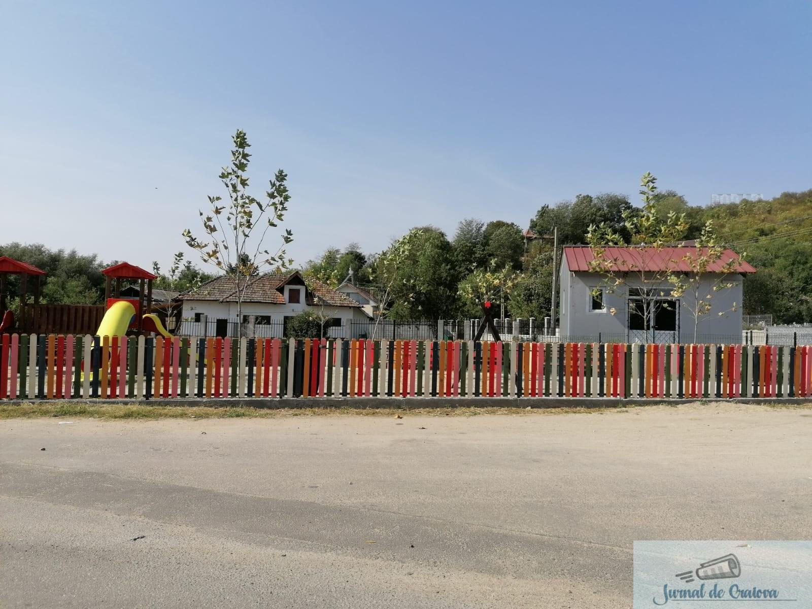 Cum arata locurile de joaca din Podari care au costat aproape 200.000 lei .. 8